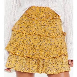 Yellow Nasty Gal floral skirt